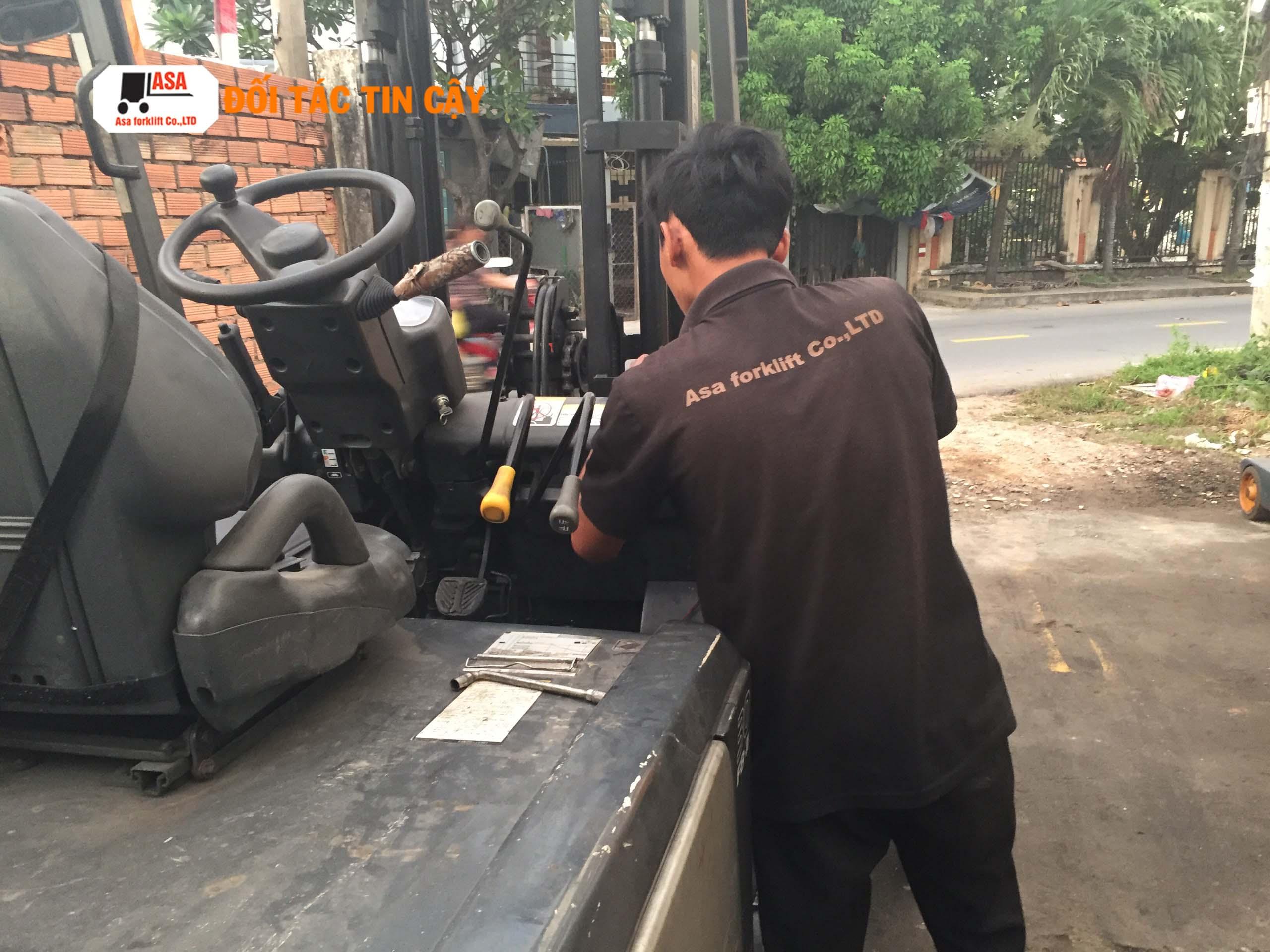 Những lỗi hỏng hóc của xe nâng điện đều được nhân viên kỹ thuật của Asa sửa chữa nhanh chóng