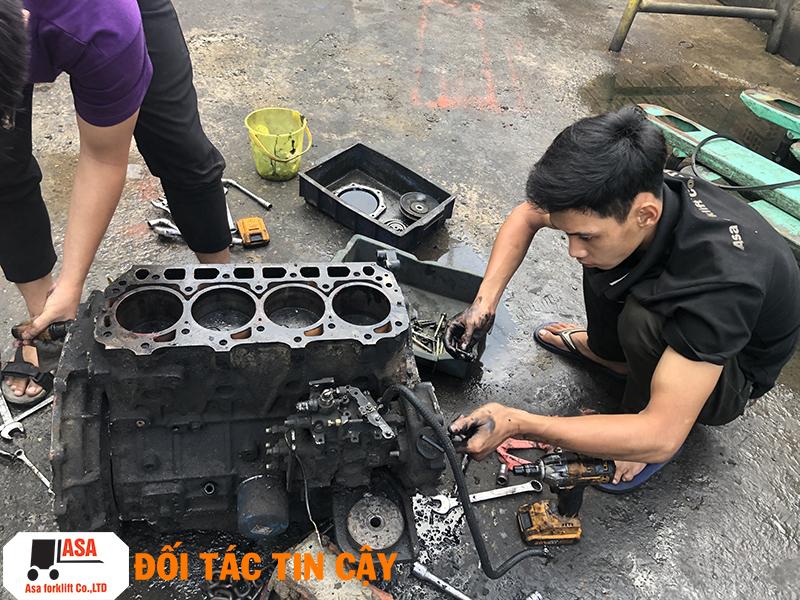Sửa xe nâng, bảo trì và bảo dưỡng xe nâng toàn bộ khu vực TPHCM.